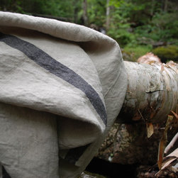 goodlinens 100% linen towels on a New Hampshire camping trip. - heavyweight solo stripe bath towel on birch log