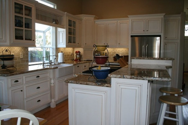 23 inspiring real life kitchens for Tri level kitchen remodel