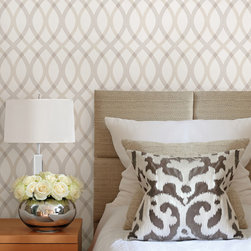 Brewster - 2535-20667 Contour Geometric Lattice Trellis Wallpaper - With sophistication and style, this geometric wallpaper brings exquisite detail to any space. Curvaceous grey lines swirl magnificently to and fro, creating a lattice design that's as elegant as it is graceful.