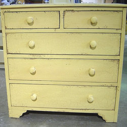 British Traditions - 5 Drawer Country Chest (French Gray) - Finish: French Gray. Each finish is hand painted and actual finish color may differ from those show for this product. Country chest of drawers. 2 Small drawers. 3 Large drawers. Country-style feet. Minimal assembly required. Drawer size. Small drawers: 17.25 in. W x 5.25 in. H. Top: 36 in. W x 17 in. D x 6.5 in. H. Center: 36 in. W x 17 in. D x 7.5 in. H. Bottom: 36 in. W x 17 in. D x 8.5 in. H. 41 in. W x 18 in. D x 40 in. H (126 lbs.)The Chest of Drawers has a simple country style that works well in any bedroom.