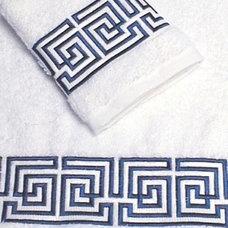 Traditional Bath Towels by Bella Lino