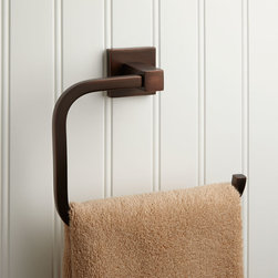 Ultra Towel Ring - Sleek, rounded angles and a square mounting bracket give the solid brass Ultra Towel Ring a contemporary appeal.