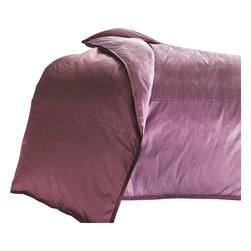 "Mystic Valley - Mystic Valley Traders Profiles Silk Plum - Super King Duvet Cover - The Profiles Silk Plum duvet cover is fashioned from the Lavender fabric, reversing to the eponymous Plum fabric, and finished with a 1/2"" Plum mitred flange.  As with all Mystic duvet covers, it has a hidden zipper and interior ties in each corner to hold the duvet fast; super king 114""x98"""