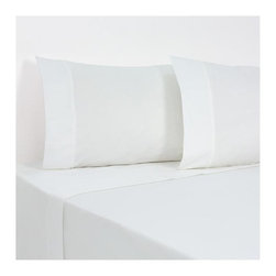SCALA - 1000 Tc Solid White Color Queen Size Fitted Sheet - 100% Egyptian Cotton - We offer supreme quality Egyptian Cotton bed linens with exclusive Italian Finishing. These soft, smooth and silky high quality and durable bed linens come to you at a very low price as these come directly from the manufacturer. We offer Italian finish on Egyptian cotton, which makes this product truly exclusive, and owner's pride. It's an experience and without it you are truly missing the luxury and comfort!!