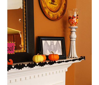 traditional  Halloween Mantel