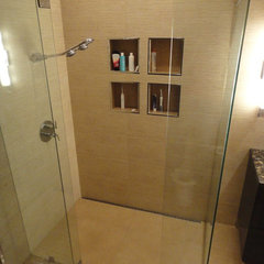 modern showers by Quick Drain USA