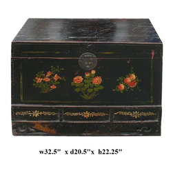 Chinese Black Lacquer Flower Graphic Trunk Table - This is a traditional oriental wood trunk with simple black lacquer base color flower graphic at the front for accent.