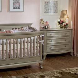 ANTONIO Collection - Antonio baby setting in Vintage finish.