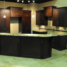 Traditional Kitchen Cabinets by Authentic Cabinets & Stoneworks