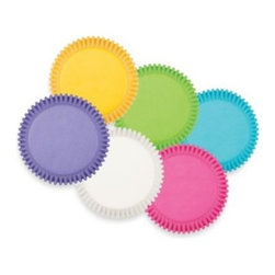 Wilton - Wilton Bright Rainbow Multi-Colored Baking Cups - Liven up any occasion with a festive rainbow of colorful baking cups. Bright and bold, these fluted paper cups come in eye-catching colors and make the presentation of cupcakes, muffins, or party snacks more playful.
