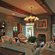 Traditional Living Room by Linda Robinson Design Associates