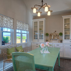 Farmhouse Dining Room by Laurie Westberg, Elle Interiors