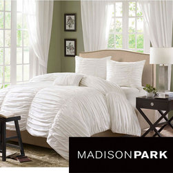 Madison Park - Madison Park Catalina 4-piece Duvet Cover Set - Eye-catching style meets comfort in the Madison Park Catalina cotton duvet cover set. The duvet cover features a cotton face with a soft cotton reverse,making it a chic and cozy addition to contemporary decor.