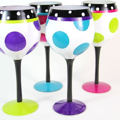 Hand Painted Polka Dot Pattern Wine Glass, Set of 4, Holds 18 Oz - Hand Painted Wine Glasses are perfect for your wine party, girls night, festive gathering and when you are enjoying a glass of wine at home.