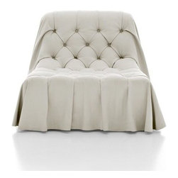 EcoFirstArt - Boh̩mien Swivel Chair, White - Italy ca. 21st Century From the union between the business capability and the hand of the Architect Castello Lagravinese, Boh̩mien is born, a breathtaking capitonn̩, a modern interpretation of an antique charm.