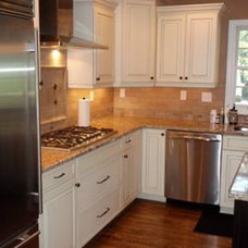 Traditional Kitchen by Viking Woodworking