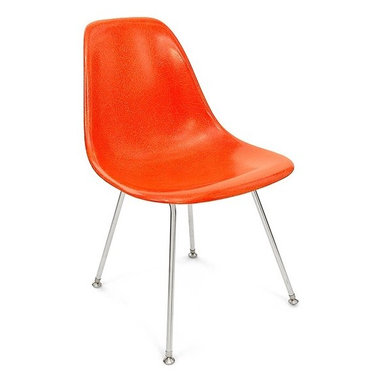 Modernica H Base Side Shell Chair - The Case Study Fiberglass H-Base Chair is a classic icon without any fuss. Pick your favorite shell for a visually solid chair that will not disappoint.