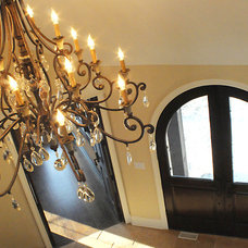 Traditional Chandeliers by Gander Builders