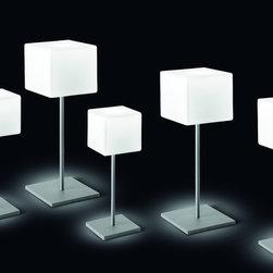 ITRE - Cubi Night Table Lamp
