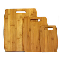 Oceanstar Design - 3-Piece Bamboo Cutting Board Set - Have a handy set of cuttings boards to assist you in preparing your meals. This 3-piece bamboo cutting board set from Ocean star Design Collection comes in 3 different sizes for different usages. You can use the small sized cutting board for cutting fruits to serve houseguests while preparing different ingredients for a delicious meal on the other cutting boards. This allows for a more sanitary way of using the cutting board. The nature of bamboo makes it elegant on any kitchen counter. Its lightweight design is easy to store and easy to maintain. Furthermore, bamboo cutting boards are popular and eco-friendly due to their durability and are considered environmentally friendly.