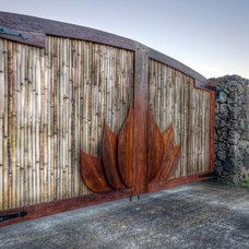 Tropical Fencing by bobby vilas design