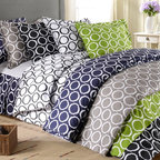 None - Scroll Park 600 Thread Count 3-piece Duvet Cover Set - Add a pop of color to any contemporary bedroom with this 600 thread count cotton duvet cover and shams. Featuring a beautiful scroll design,this set is available in a wide array of colors schemes. Machine washable for easy care and repeated use.