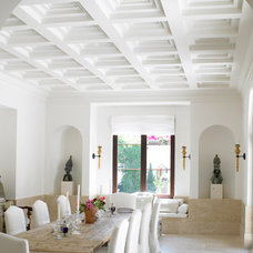 Tropical Dining Room by Jarosz Architect, P.A.
