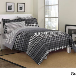 None - Houndstooth 7-piece Bed in a Bag with Sheet Set - Suitable for adults,teens and children alike,this seven-piece bedding set offers a classic houndstooth pattern. Available in two contemporary color schemes,this machine washable comforter,sham and sheets will enrich any room.