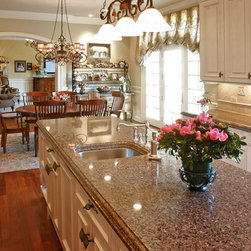 Lake Forest Kitchen - SP Group Inc,