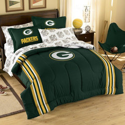 Northwest Co. - NFL Green Bay Packers Embroidered Twin / Full Comforter Set - Super cozy and super soft, right down to the large embroidered team logos that stand out from the solid background. This comforter set features a soft, chenille embroidery on the comforter and included is 2 printed shams. The combination of a single raised embroidery against the team color coordinated background adds a bit of sophistication to a great choice in a sports fans room adornment.