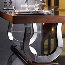Contemporary Dining Tables by By Kepi