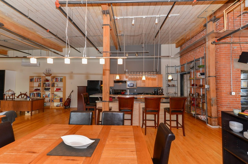 A Design Consultation and DIY Spirit Reinvents an Industrial Loft