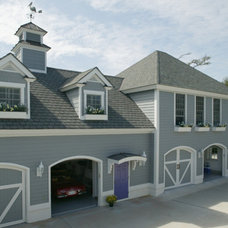 Traditional Exterior by Hood Herring Architecture Pllp