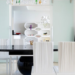 modern dining room by Pepe Calderin Design- Miami Modern Interior Design
