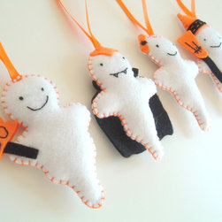 Ghosts Halloween Decoration - Friendly Ghosts made with felt and filled with polyester toy filling.