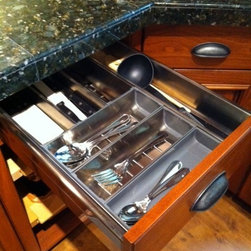 Details, accessories, techniques and new stuff - This silverware system comes from Blum.  Each piece lifts out easily and can be cleaned in your dishwasher
