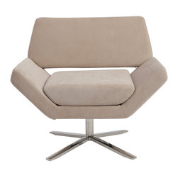 Eurostyle - Eurostyle Carlotta Lounge Chair in Tan & Stainless Steel - The second you sit, an orderly, angular look gives way to extremely comfortable experience. It's beautifully designed alchemy that brings together crisp geometry and that 'I'd rather not get up now' luxury. What's included: Lounge Chair (1).