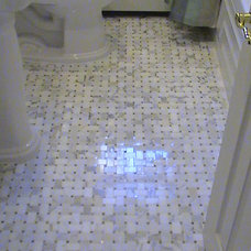 Traditional Bathroom by 3-D Contracting Inc.