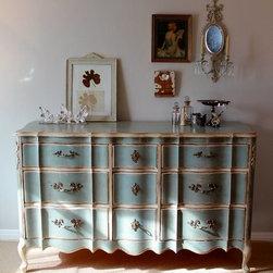 Vintage French Provincial Dresser -