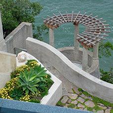 Contemporary Landscape by Suzman Design Associates