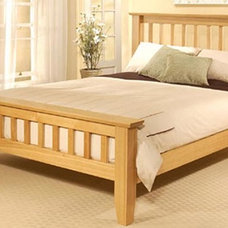 Modern Beds by Homewoods Creation