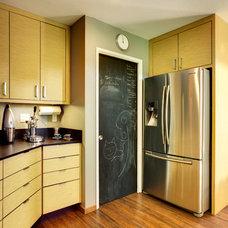 Contemporary Kitchen by MAK Design + Build Inc.