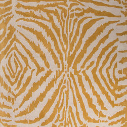 Jaipur Rugs - Jaipur Hand-Tufted Animal Print Pattern Wool Black/Ivory Area Rug (5 x 8) - En Casa is the design collection of Cuban born, Queens, NY raised painter and surface designer, Luli Sanchez. This collection is based off of her painterly works of art that capture an organic and moody yet optimistic spirit. Her hand drawn florals and geometrics were truly inspiring for this Hand Tufted collection. Jaipur En Casa by Luli Sanchez Tufted RUG115938 Hand-Tufted Animal Print Pattern Wool Black/Ivory Area Rug (5 x 8) India. 100% Wool