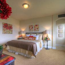Traditional  by Coleman Homes