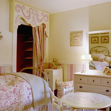 Traditional  girl's bedroom