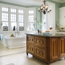 HGTV DP_Salerno-Traditional-Bathrooms_s4x3_lg.jpg