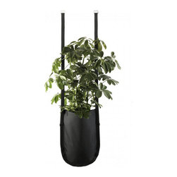 Contemporary Black Hanging Plant Bag - The hanging plant bag, with a 9-litre-volume, is perfect for large indoor plants.