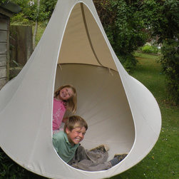 Cacoon - Cacoon - Double - Cacoon is the new hangout chillout space, the new concept for relaxation and simple fun. Designed for adults and children alike – it is, quite simply, a back to the nest adventure.
