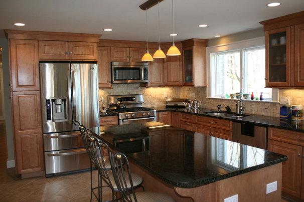 Traditional  by Mary Porzelt of Boston Kitchen Designs