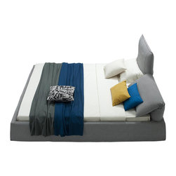 VIG Furniture - Otago - Modern Grey Fabric Bed with Adjustable Headrests, Queen - Based off popular design